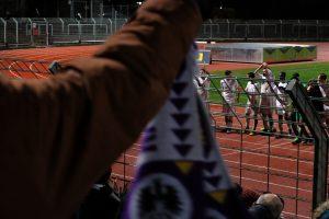 Freude bei TeBes Mannschaft nach dem Sieg gegen Blau-Weiß 90